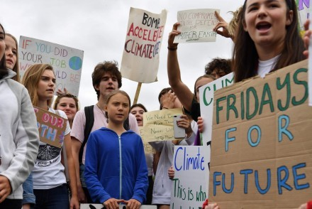 Greta Thunberg and youth climate activists protest outside White House (courtesy of The Guardian/Nicholas Kamm/AFP/Getty Images)