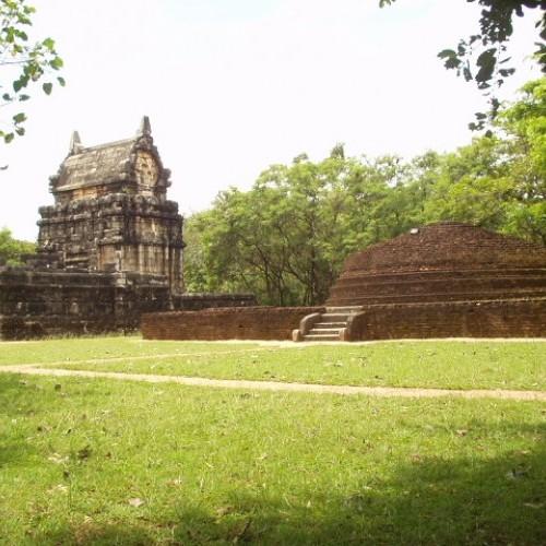 Serene temple grounds, Nalanda Gedige, Sri Lanka