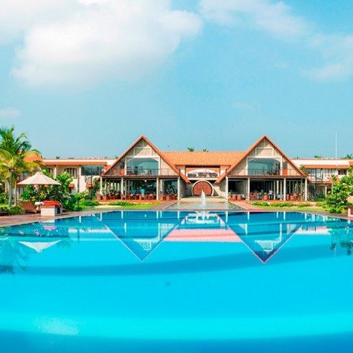 Swimming pool and main hotel, Uga Bay, Passekudah, Sri Lanka